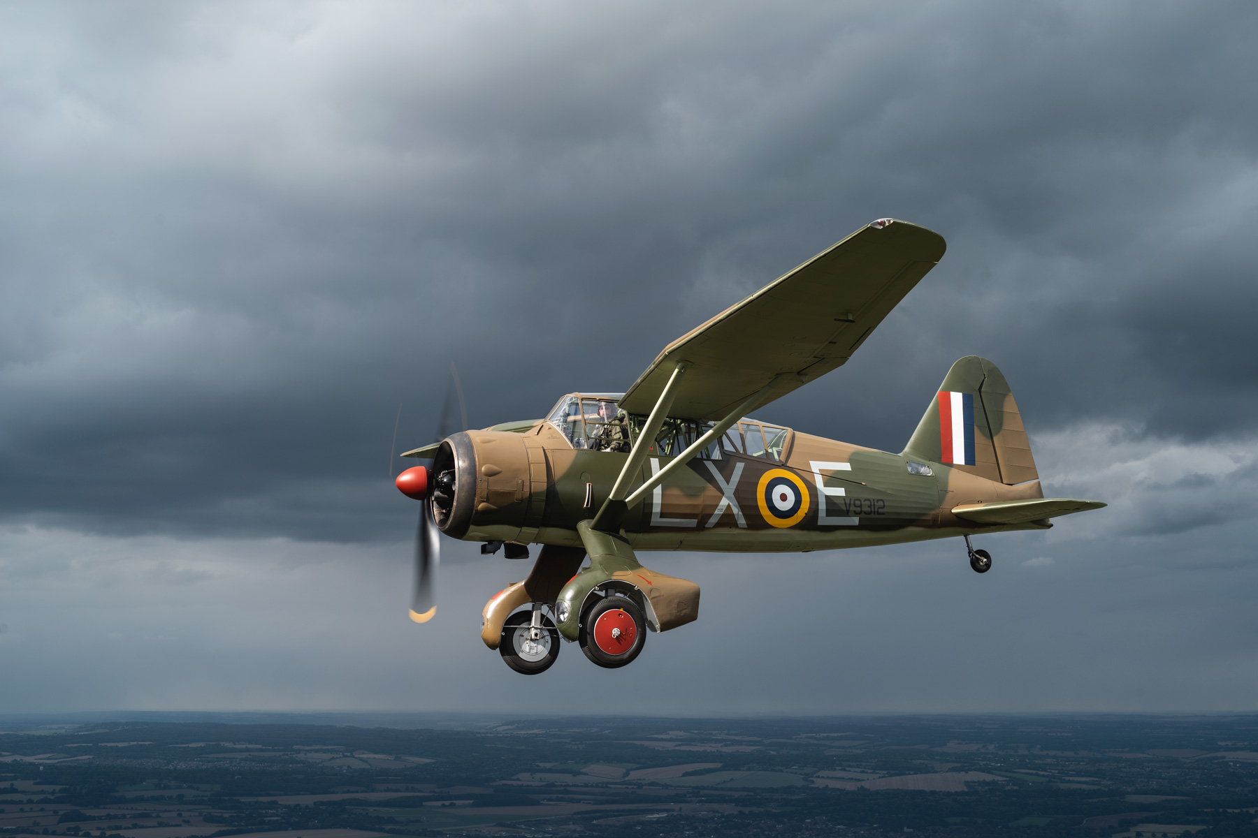 the-lizzie-warbird-flying